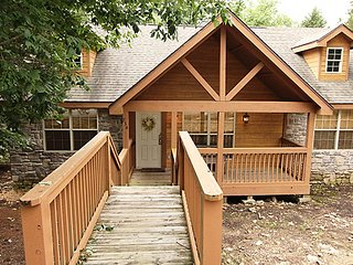 2 bedroom Cabin with A/C in Branson West - Branson West vacation rentals