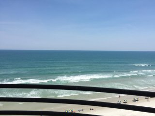 OCEANFRONT CONDO, GREAT AMENITIES, FREE WIFI - SAND DOLLAR, 10TH FL - Daytona Beach Shores vacation rentals