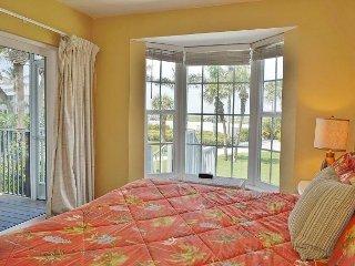 2 bedroom first floor vill convenient location to restaurant pool and beach - Placida vacation rentals
