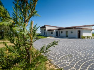 Bright 5 bedroom Bed and Breakfast in Civitaquana - Civitaquana vacation rentals