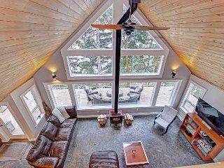 Amazing Lake Cowichan 3 Bedroom Beach Front House - Lake Cowichan vacation rentals