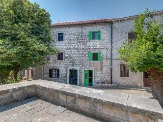 Nice 3 bedroom Townhouse in Osor - Osor vacation rentals