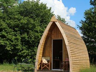 Romantic 1 bedroom Vengeons Cabin with Parking - Vengeons vacation rentals