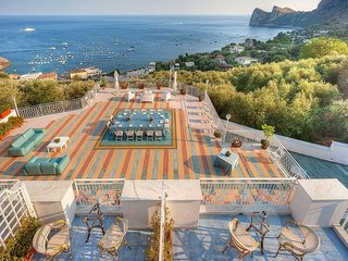 Bright 7 bedroom Marina del Cantone House with Deck - Marina del Cantone vacation rentals