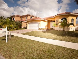 3 Bedroom Private Home with Garage ! - Pembroke Park vacation rentals