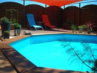 Chez EVELYNE MAISON de VACANCES INDÉPENDANTE - Montelimar vacation rentals