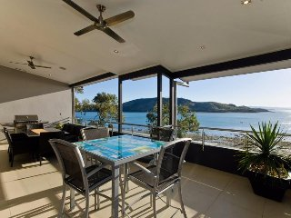 Perfect Condo with A/C and Shared Outdoor Pool - Hamilton Island vacation rentals