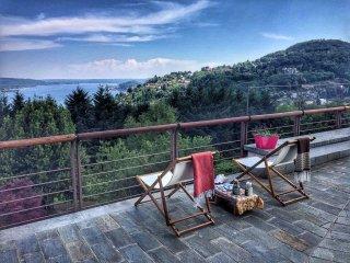 Pratone house with big garden and lake view in Nebbiuno - Nebbiuno vacation rentals