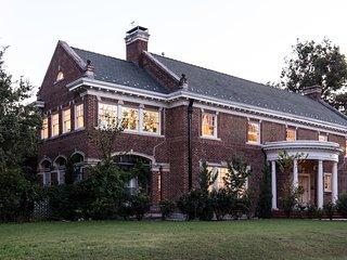 Beautiful three-storey Historic Mansion sleeps 10 near TCU; Bass Hall - Fort Worth vacation rentals