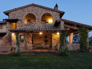 Monsole - Tuscany landscape views Holiday Home - San Giovanni d'Asso vacation rentals