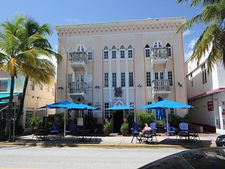 Comfortable studio apartment in the heart of Ocean drive - Miami Beach vacation rentals