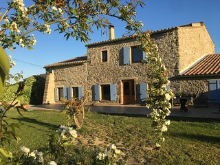 Stunning stone farmhouse operating also as Cycle d'Oc cyclists' guesthouse - Paraza vacation rentals