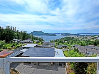 Perfect Condo with Deck and Internet Access - Anacortes vacation rentals