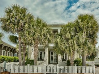 """White Caps Inn"""" Gorgeous 5 Bedroom Home With A Private Pool That Sleeps 13! - Carillon Beach vacation rentals"""