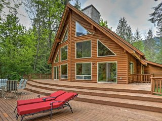 NEW! 3BR+Loft Baring Home on Skykomish River! - Baring vacation rentals