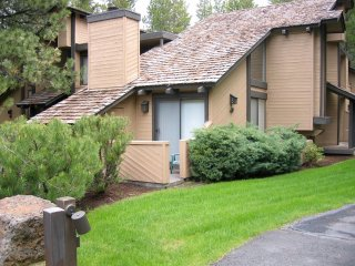 Tennis Village Condo - Walking Distance to Lodge and Village - Sunriver vacation rentals