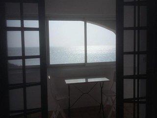 Agréable Appartement de Vacances Face à L'Océan - La Tranche sur Mer vacation rentals