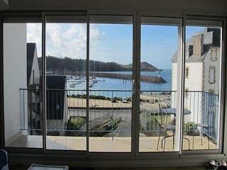 Bright Condo with Television and Microwave - Trébeurden vacation rentals