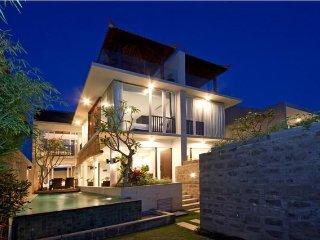Grace 3 Bedroom Villa, 5 min walk to Echo Beach - Canggu vacation rentals