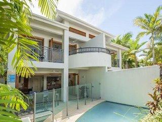 TROPICAL OASIS - 8 TEMPLEMOON - Port Douglas vacation rentals