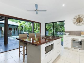 3 bedroom House with A/C in Port Douglas - Port Douglas vacation rentals