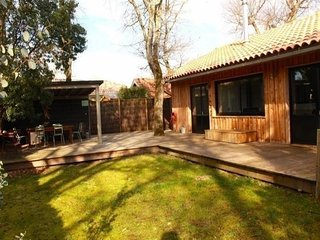 Beautiful House with Internet Access and Balcony - Gujan-Mestras vacation rentals
