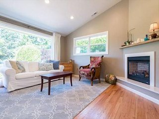 Spacious 4 BR/2.5 BA Family Home - Seattle vacation rentals
