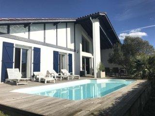 Villa avec piscine : vacances au calme entre Biarritz et Bidart - Bidart vacation rentals