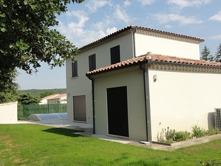 villa avec piscine privée région Grignan - Montségur-sur-Lauzon vacation rentals