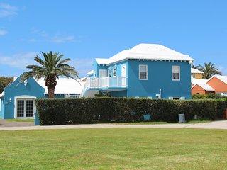 2 bedroom House with Washing Machine in Hamilton Parish - Hamilton Parish vacation rentals