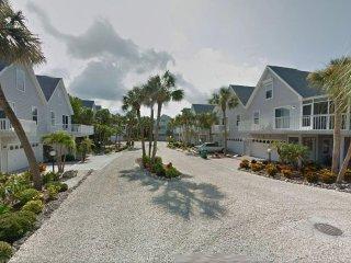 North beach Village on Gulf Drive col de sac - 2 min walk to beach, heated pool - Holmes Beach vacation rentals