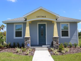 Two-Bedroom Cottage at Gator Cottage - Oviedo vacation rentals