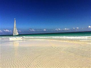BEAUTIFUL VILLA 3 POOLS 5 ROOMS SEA FRONT PLAYACAR - Playa del Carmen vacation rentals