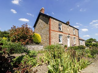 AUBURN HOUSE, detached, woodburning stove, near Helmsley, ref:943848 - Helmsley vacation rentals