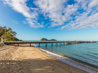 Bright 4 bedroom House in Palm Cove - Palm Cove vacation rentals