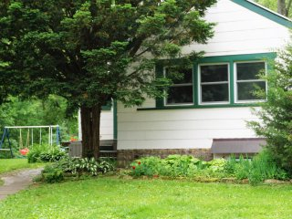 Beautiful Lake House on 2&1/2 acres! - Galesville vacation rentals