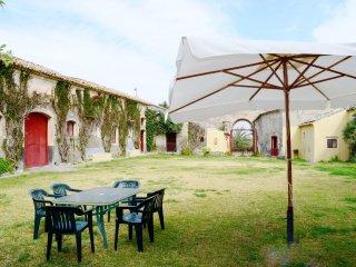 Comfortable 4 bedroom House in Sigonella - Sigonella vacation rentals