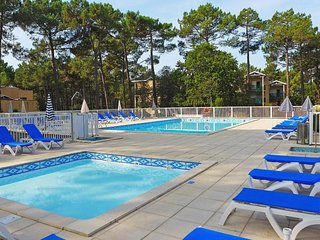 Nice Condo with Internet Access and Television - Carcans vacation rentals