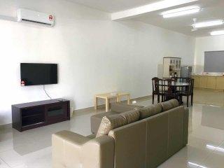 Nice 4 bedroom House in Rawang - Rawang vacation rentals