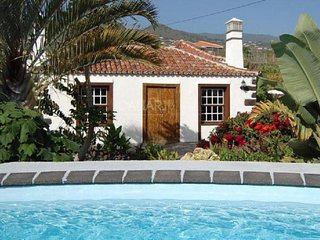 Comfortable House with Parking and Grill - Callejones vacation rentals