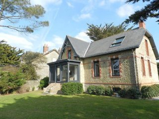 Comfortable House with Internet Access and Television - Guerande vacation rentals