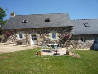 Cozy 3 bedroom Scrignac Gite with Internet Access - Scrignac vacation rentals