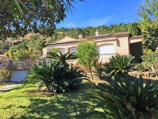 Nice House with Internet Access and Television - Antheor vacation rentals