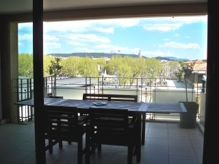 Nice Condo with Internet Access and A/C - Bouches-du-Rhone vacation rentals