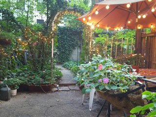 Beautiful Garden Apartment on the Upper East Side - Astoria vacation rentals