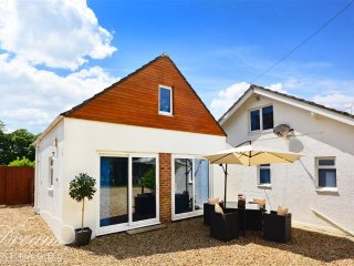 Bright Cottage with Washing Machine and Television - Osmington Mills vacation rentals