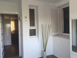 Cozy 3 bedroom Porto Cristo Condo with Internet Access - Porto Cristo vacation rentals