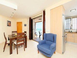 Comfortable Condo with Television and Microwave - Moncofar vacation rentals