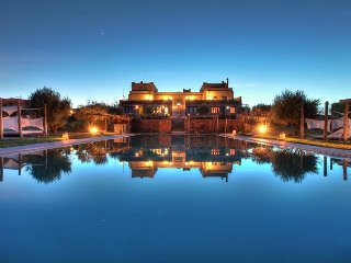 Cosy Villa, Family & Friends, large Pool, 20mn from Marrakesh, staff, free wifi - Amizmiz vacation rentals