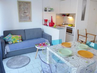 Comfortable La Grande-Motte Studio rental with Television - La Grande-Motte vacation rentals